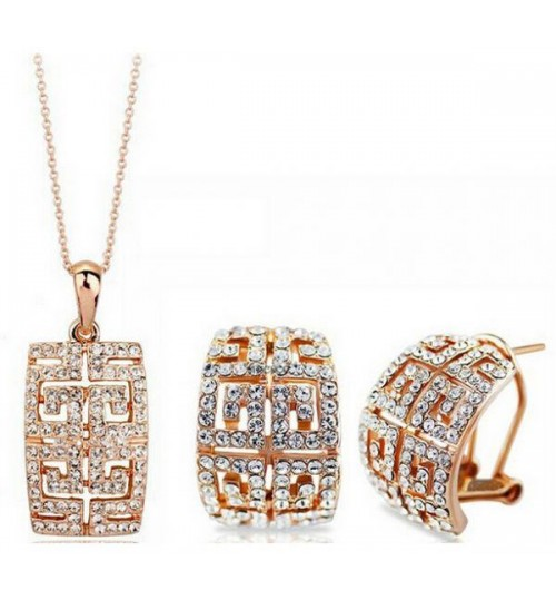 Stylish women jewelry set gold color stud with crystal